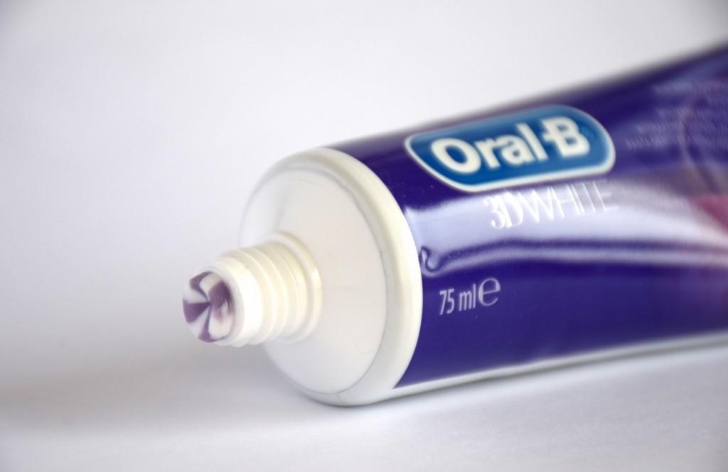 Dentifrice Oral-B 3D white brillance pate