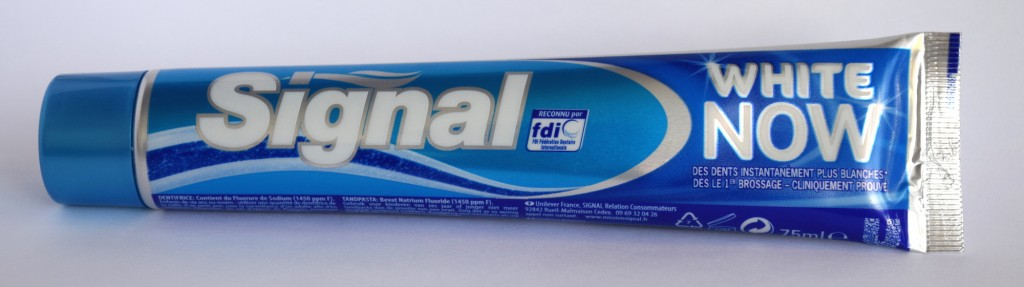 Dentifrice Signal white now tube