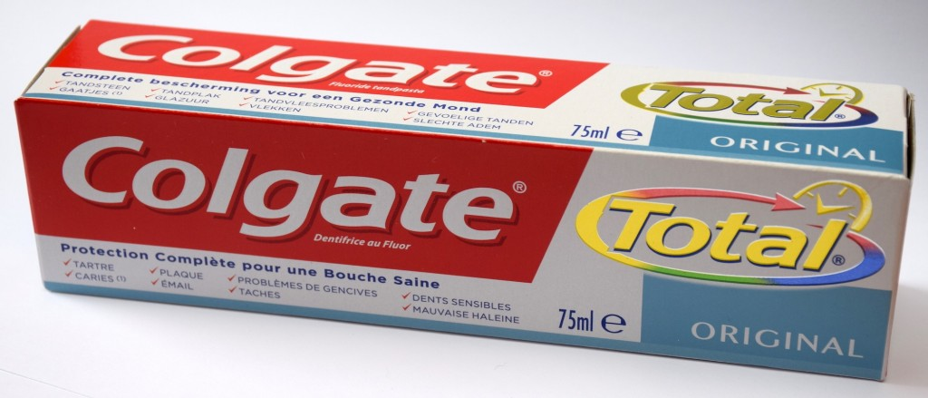 Dentifrice Colgate Total Original carton