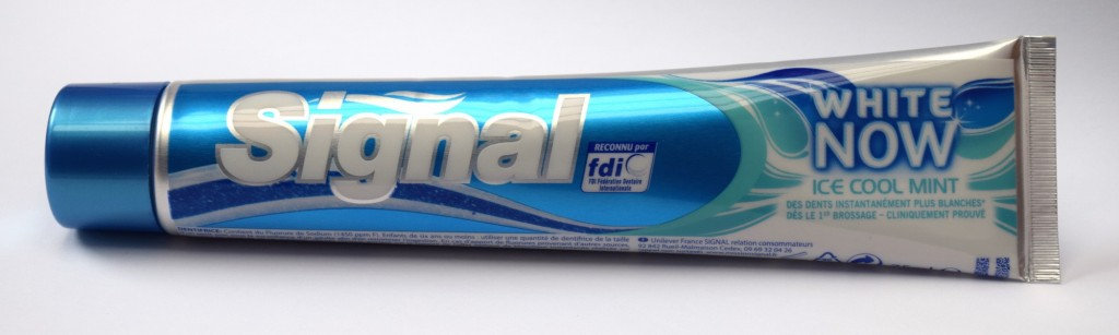 Dentifrice Signal White Now Ice Cool Mint tube