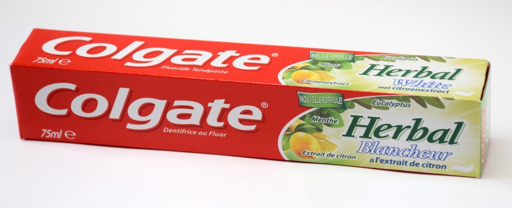Dentifrice Colgate Herbal Blancheur boite