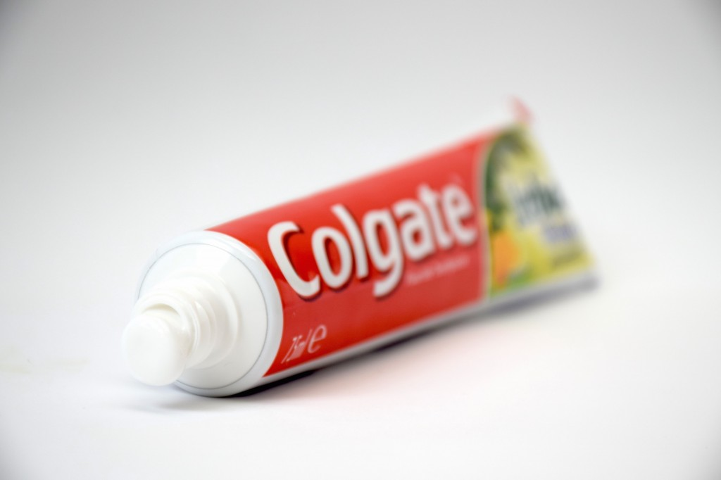 Dentifrice Colgate Herbal Blancheur pate