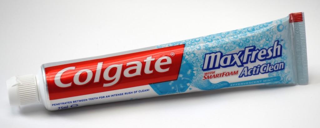 Dentifrice Colgate MaxFresh ActiClean tube