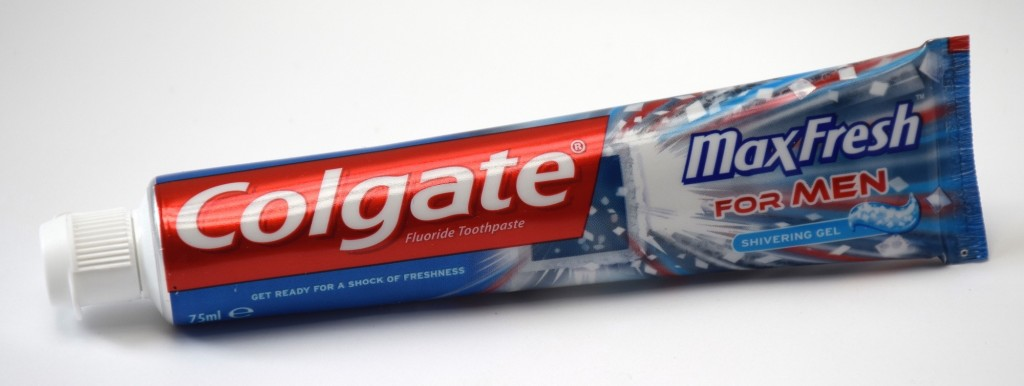 Dentifrice Colgate MaxFresh For Men tube