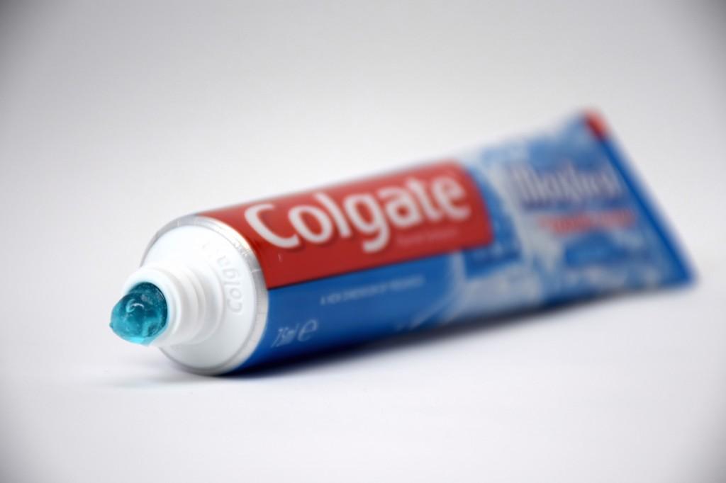 Dentifrice Colgate MaxFresh pate