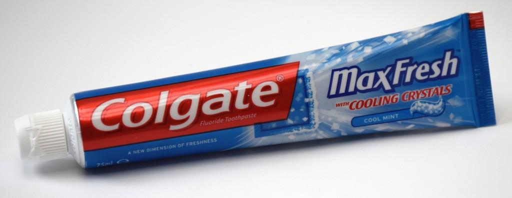 Dentifrice Colgate MaxFresh tube