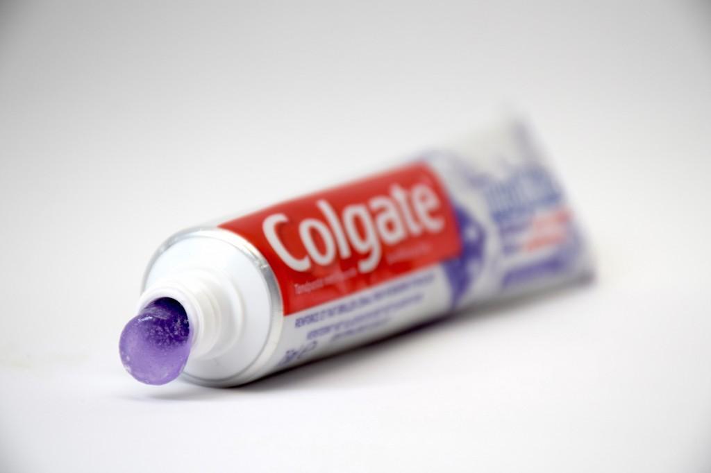Dentifrice Colgate MaxWhite Brillance pate