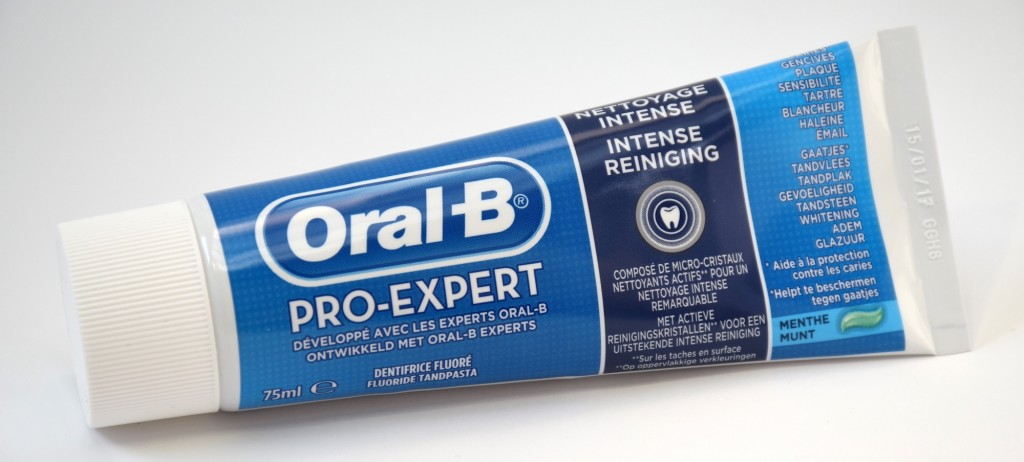Dentifrice Oral-B Pro-Expert Nettoyage Intense tube