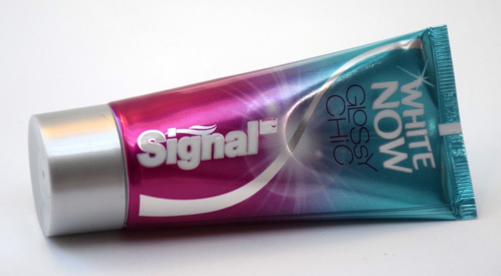 Dentifrice Signal White Now Glossy Chic tube